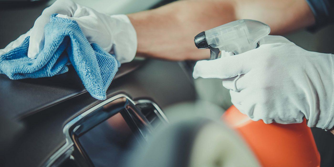 Cómo limpiar y desinfectar adecuadamente el interior de tu coche